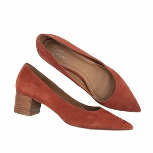 Crown Vintage Burnt Orange Suede Pumps Size 9.5